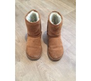 Bottes fourrées type Ugg taille 35