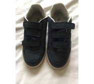 Baskets neuves taille 30