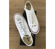 Converses blanches neuves taille 46