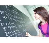 garde d'enfants avec des cours dans toutes les matières